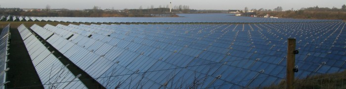 Heat insulating duvet for solar heating plant storage